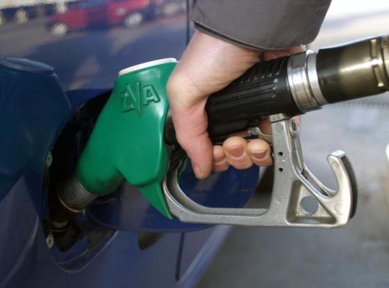 d8d61ede6cc218 Ceny paliw spadają. Gdzie zatankujemy najtaniej? | Blog | Naviexpert