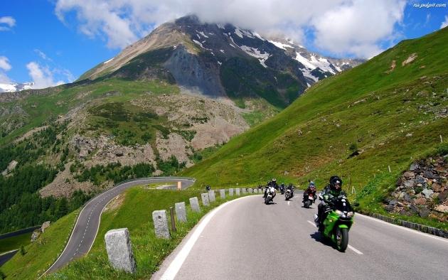 Motocykle na drodze