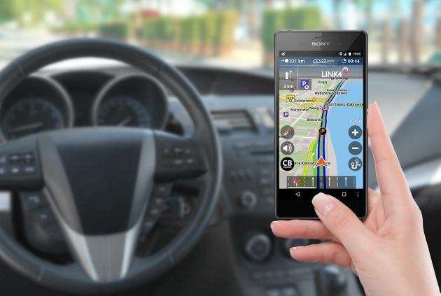 Nawigacja na smartfona w samochodzie