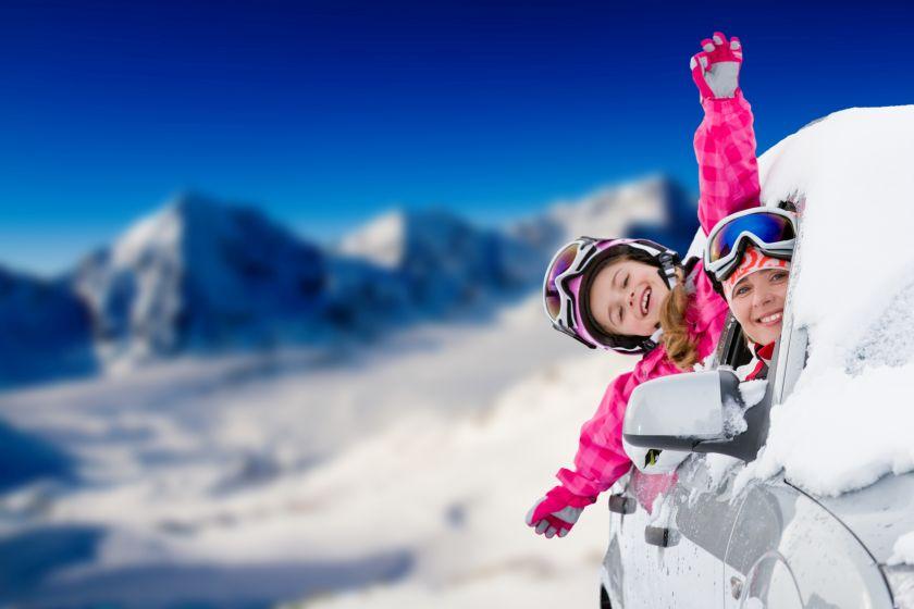 Jedziesz na narty? Przygotuj siebie i auto do drogi