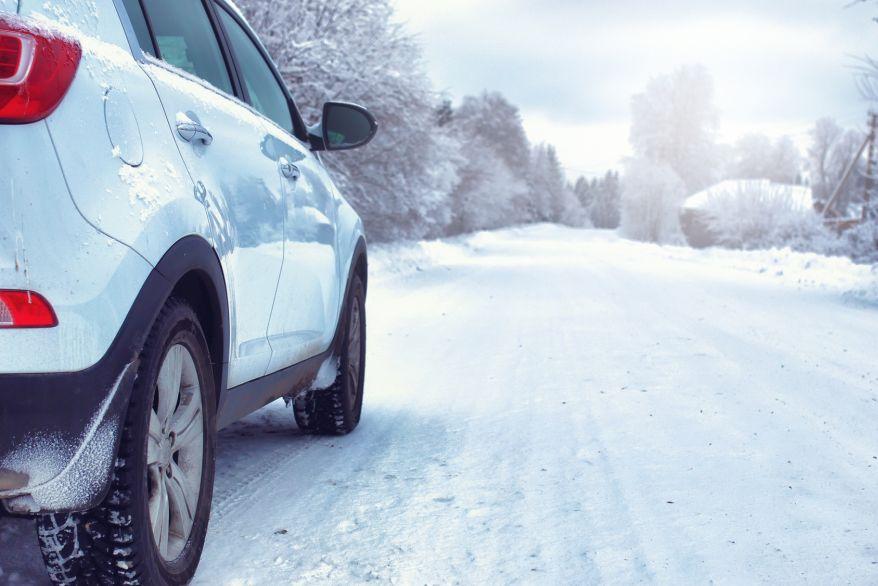 Zima za kierownicą – dobre nawyki